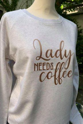 Tanja Jablonski Mode für Damen Dreieich Stitchy Sweatshirt Coffee nachhaltige Mode